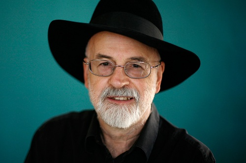 images/terry-pratchett-lo-scrittore-dai-mille-colpi-di-penna.jpg